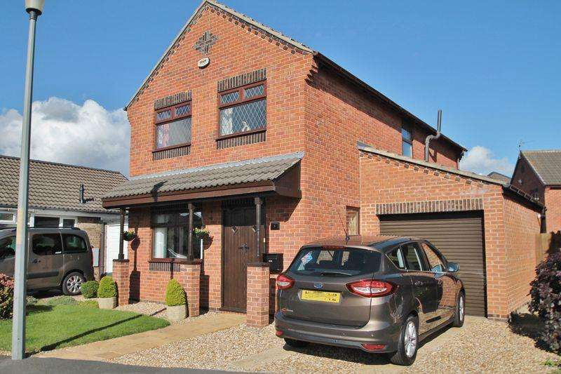 4 Bedrooms Detached House for sale in Hornsea Close, Billingham
