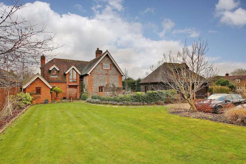 5 Bedrooms Detached House for sale in Silkstead, Winchester