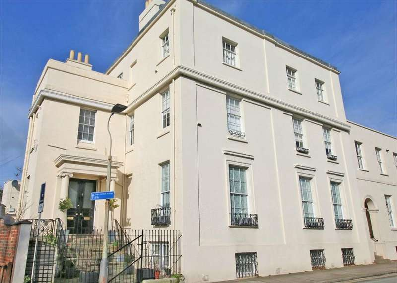 2 Bedrooms Flat for sale in 3 Park Place, Cheltenham