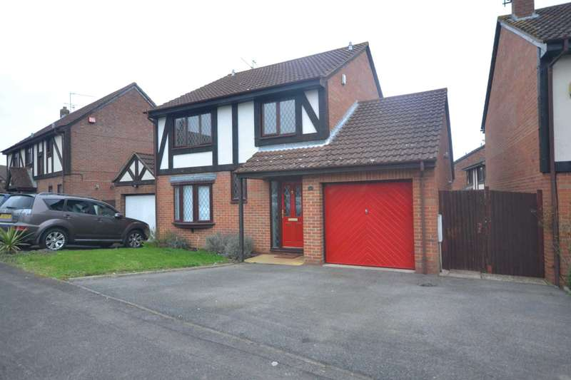 4 Bedrooms Detached House for rent in Tamarind Way, Reading