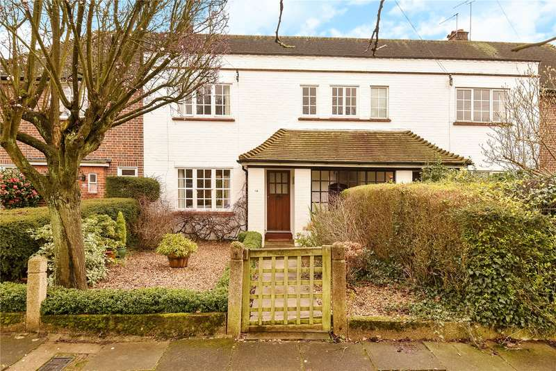 2 Bedrooms Terraced House for sale in Latimer Gardens, Pinner, Middlesex, HA5