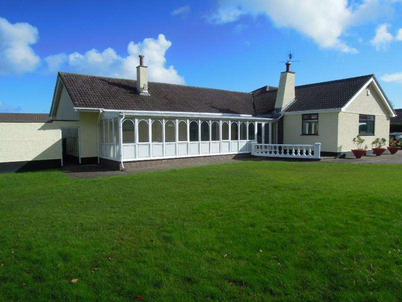 4 Bedrooms Detached Bungalow for sale in Lezayre Road, Ramsey, IM 2TE