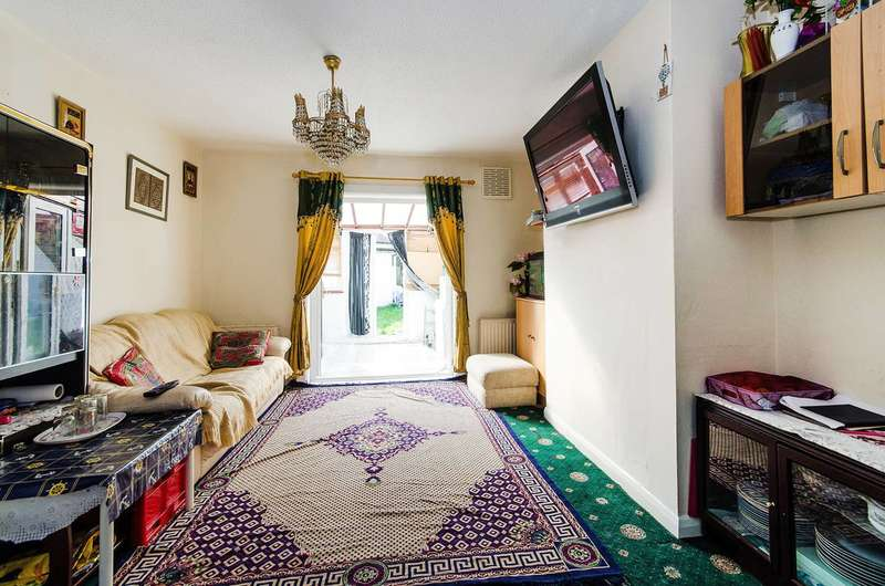 3 Bedrooms Terraced House for sale in Mitchell Way, Neasden, NW10