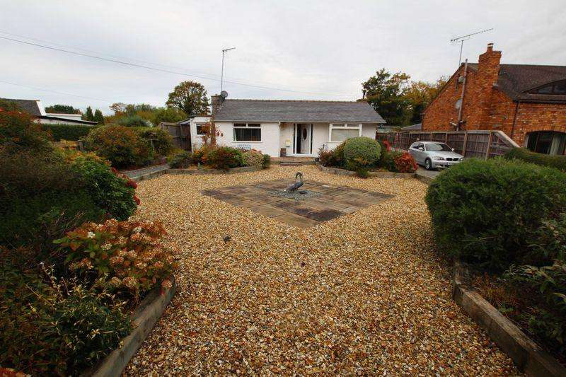 3 Bedrooms Detached Bungalow for sale in The Moorings, Lower Heswall