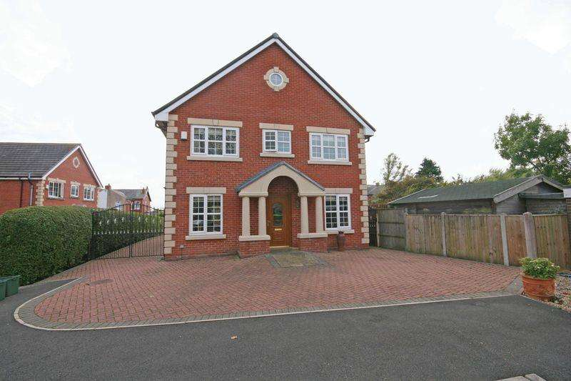 6 Bedrooms Detached House for sale in Tudor Close, Carleton