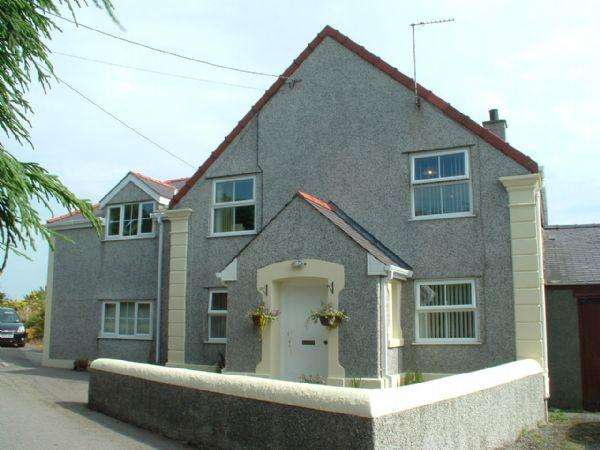 5 Bedrooms Detached House for sale in Tregele, Nr Cemaes Bay