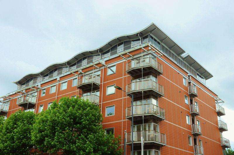 2 Bedrooms Penthouse Flat for sale in The Panoramic, Park Row, BS8