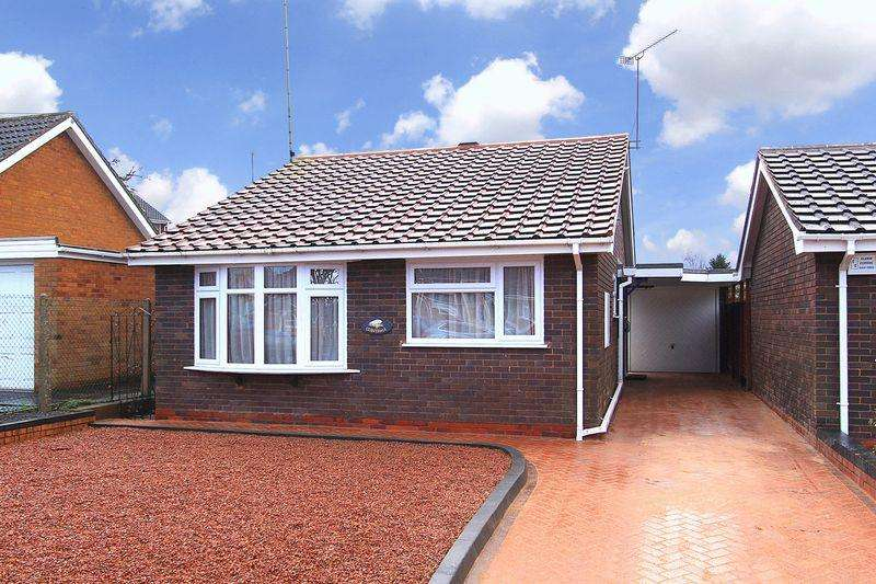 2 Bedrooms Detached Bungalow for sale in SWINDON, High Street