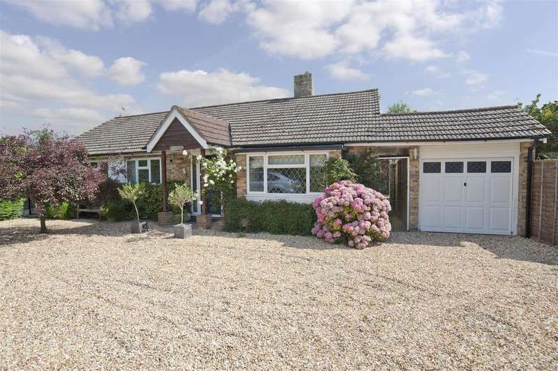 3 Bedrooms Detached Bungalow for sale in Kiln Corner, Upper Basildon, Reading