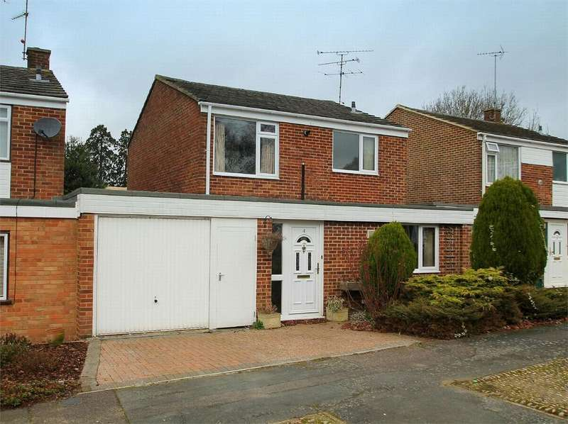 3 Bedrooms Detached House for sale in Frimley, Camberley, Surrey