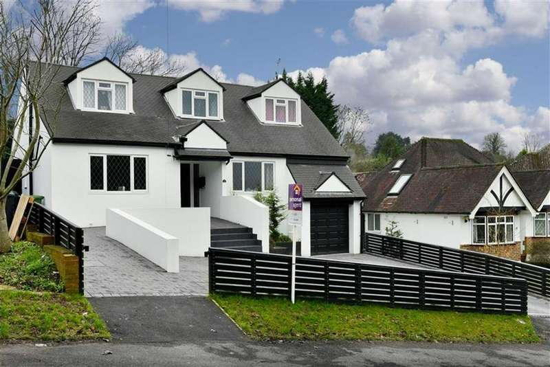 5 Bedrooms Detached House for sale in Burgh Wood, Banstead, Surrey