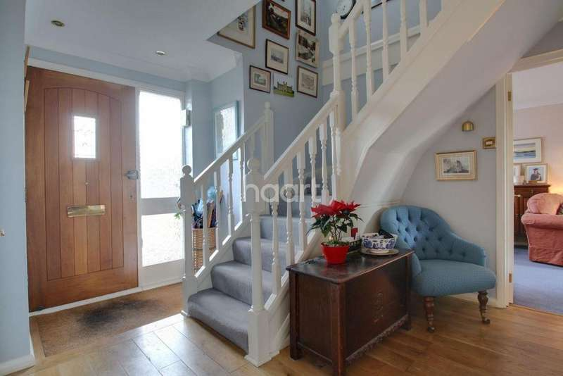 4 Bedrooms Detached House for sale in Laurel Grove