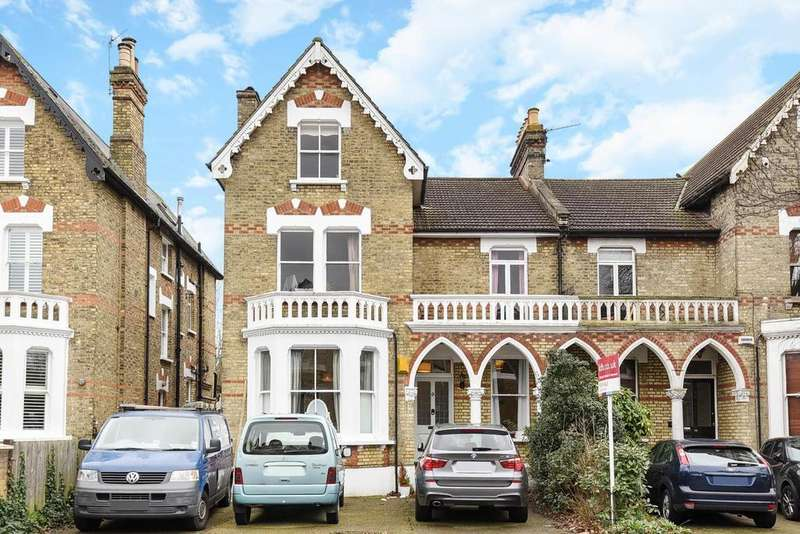 2 Bedrooms Flat for sale in Cedars Road, Beckenham, BR3