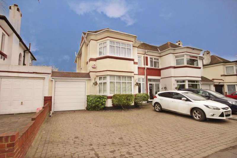 4 Bedrooms Semi Detached House for sale in Prince Avenue, Southend-on-Sea