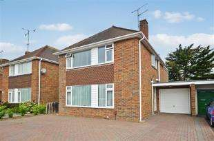 4 Bedrooms Detached House for sale in Cumberland Avenue, Goring-By-Sea, Worthing, West Sussex