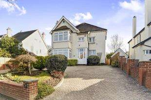 6 Bedrooms Detached House for sale in Woodcote Avenue, Wallington, Surrey