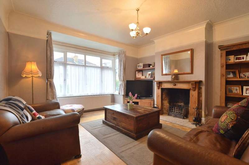 4 Bedrooms Semi Detached House for sale in De Frene Road Sydenham SE26