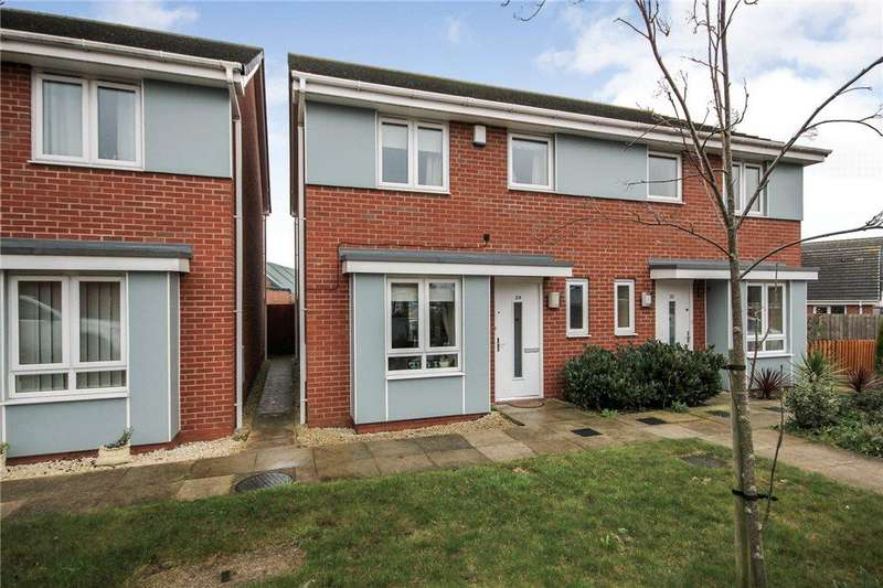 3 Bedrooms Semi Detached House for sale in Sandwell Grove, Cradley Heath, West Midlands, B64