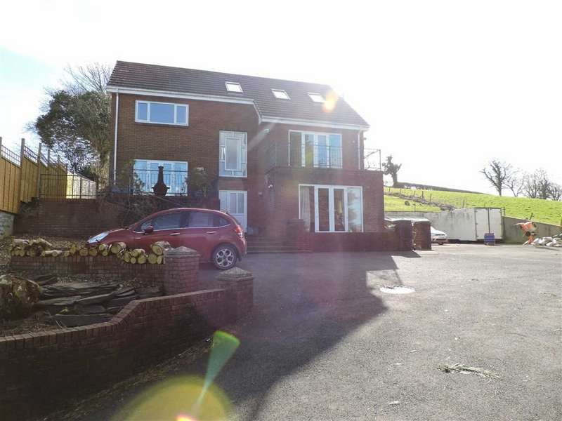 4 Bedrooms Property for sale in Heol Blaengwastod, Llangunnor