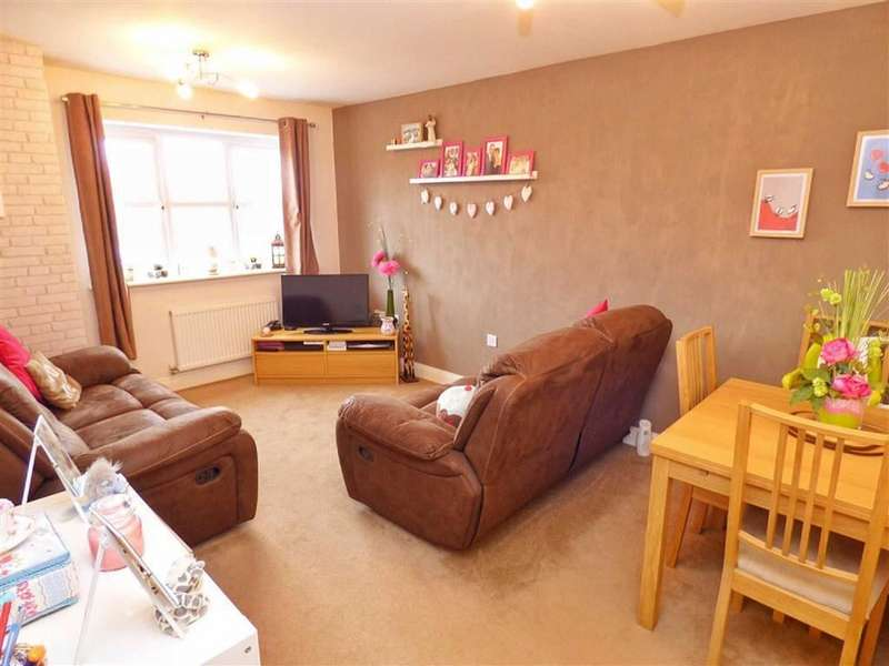 2 Bedrooms Property for sale in Turnpike Close, Shawclough, Rochdale, Lancashire, OL12