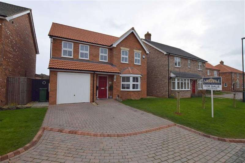 4 Bedrooms Detached House for sale in Foxtail Close, Scartho, North East Lincolnshire