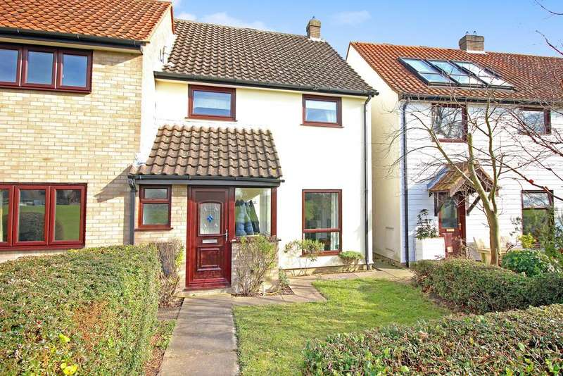 3 Bedrooms Semi Detached House for sale in Lark Rise, Martlesham Heath