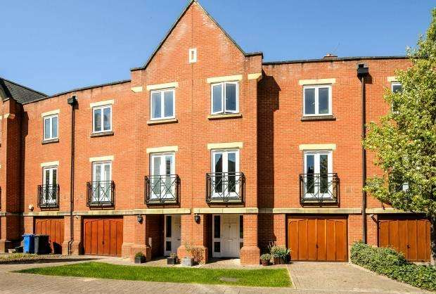 4 Bedrooms Town House for sale in Longbourn Windsor
