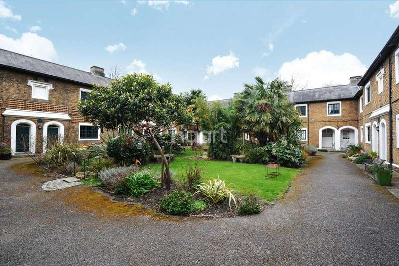 1 Bedroom Flat for sale in Pilgrims Cloisters, Sedgmoor Place, Camberwell SE5
