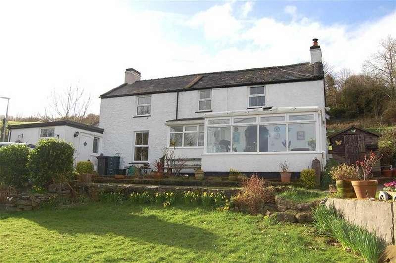 3 Bedrooms Detached House for sale in Nant Y Gamar Road, Craig Y Don, Llandudno, Conwy