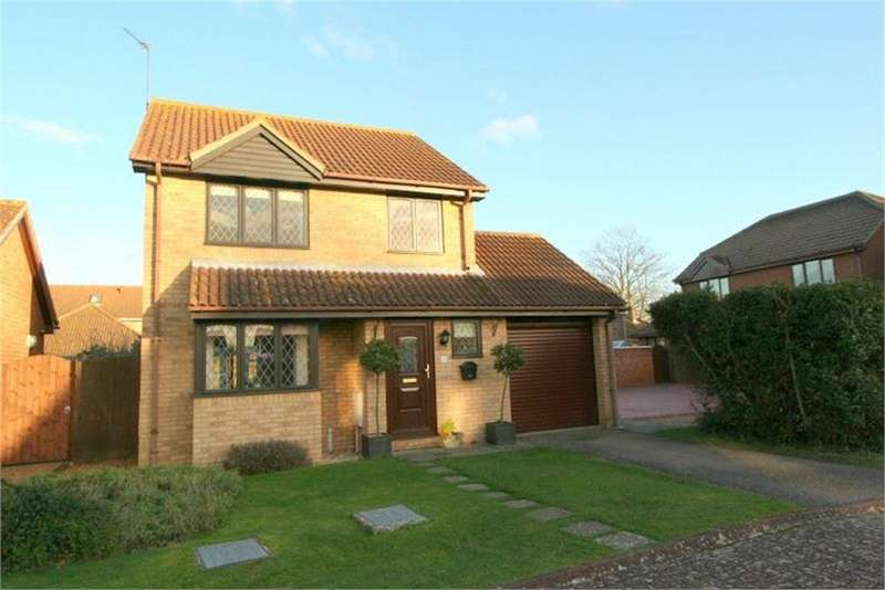 3 Bedrooms Detached House for sale in Bushell Way, Kirby Cross, FRINTON-ON-SEA, Essex
