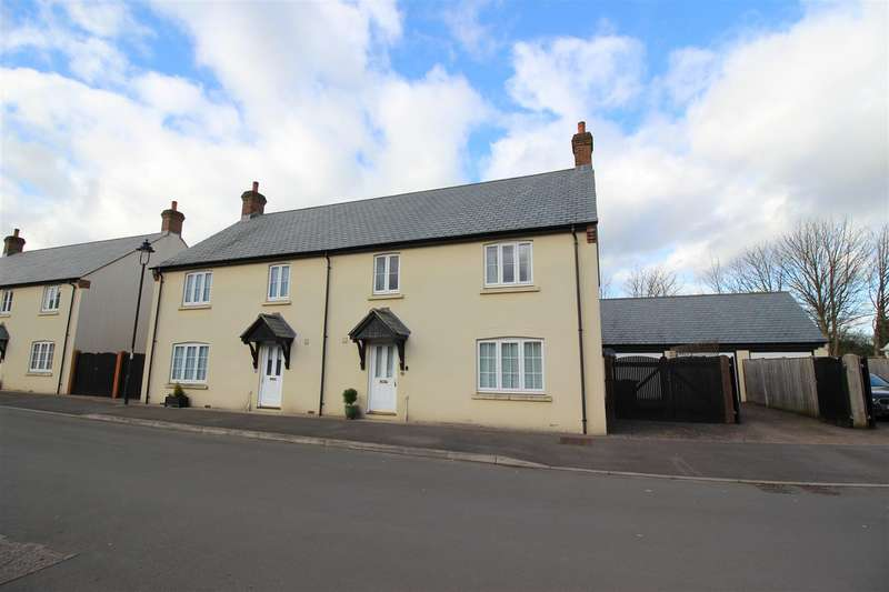 3 Bedrooms Property for sale in Chapel Street, Derry Hill