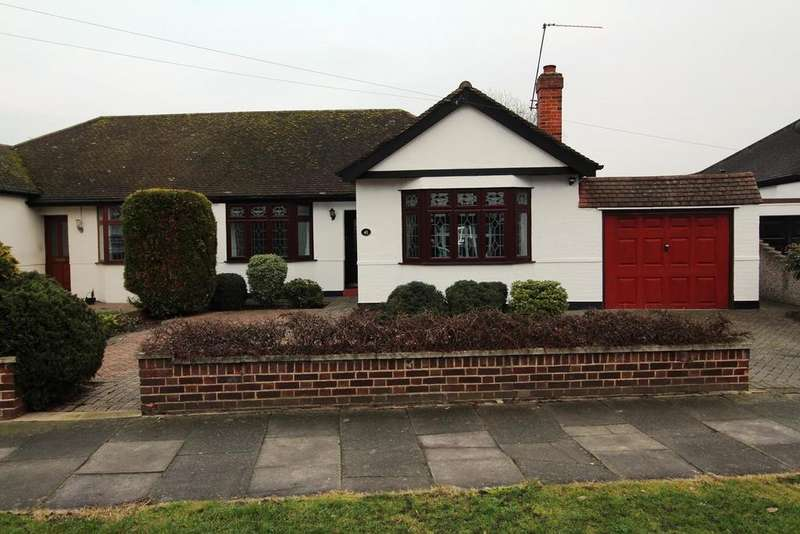 2 Bedrooms Semi Detached Bungalow for sale in The Grove, Upminster, Essex, RM14