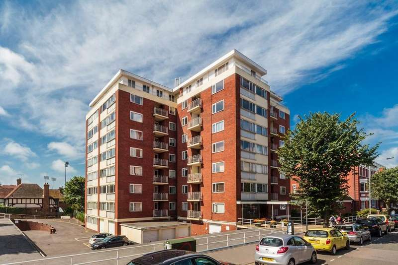 2 Bedrooms Apartment Flat for sale in Cromwell Court, Hove, BN3
