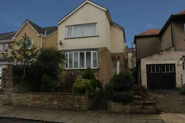 3 Bedrooms Detached House for sale in Norton Road, Morecambe, Lancashire, LA3 1HA