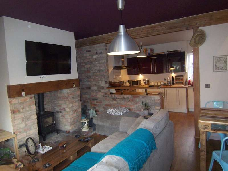 2 Bedrooms Terraced House for sale in Horeston Cottages, Main Street, Horsley Woodhouse