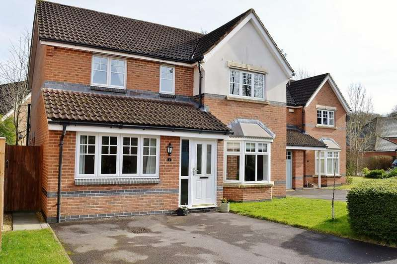 4 Bedrooms House for sale in St James Close
