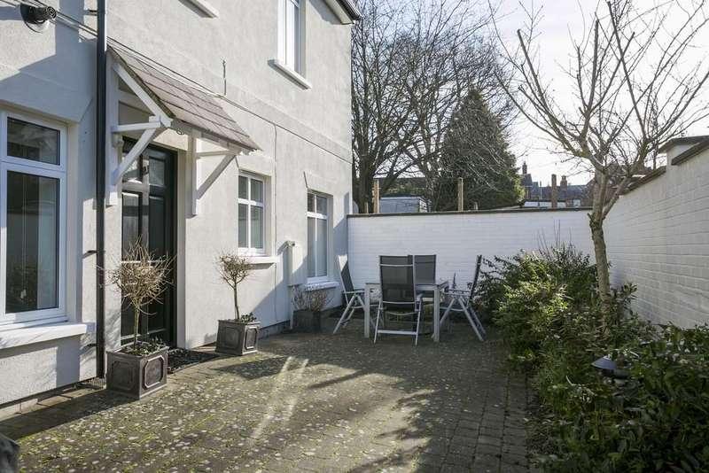 2 Bedrooms Ground Flat for sale in North Street, Tunbridge Wells