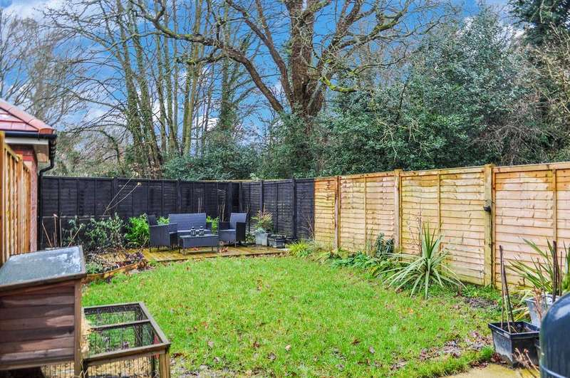 3 Bedrooms Semi Detached House for sale in Barnham Close, Forge Wood
