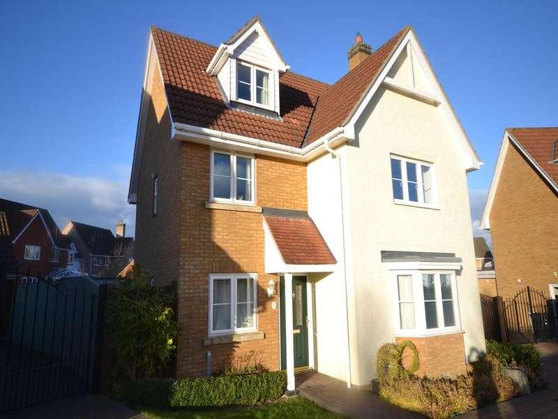 5 Bedrooms Detached House for sale in Woodlands Park Drive, Dunmow, Essex, CM6