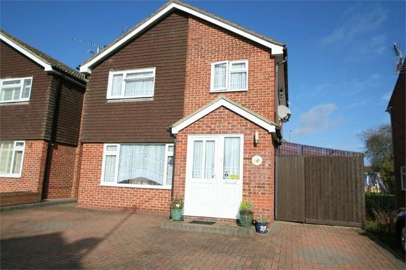 4 Bedrooms Detached House for sale in Kinloch Chase, Witham, Essex