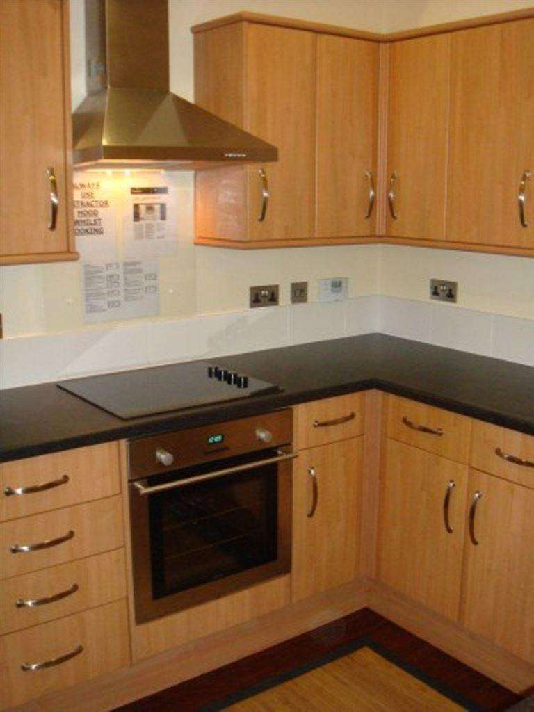 6 Bedrooms House for rent in 71 North Road, B29 6AN