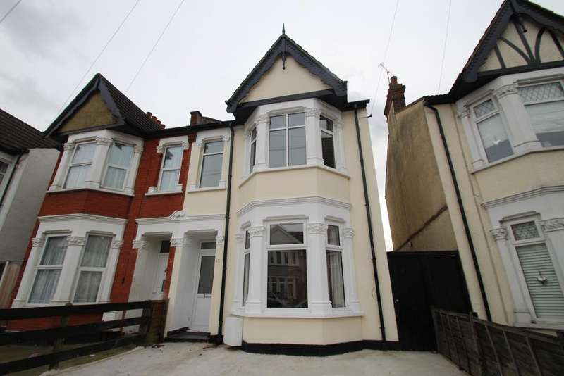 4 Bedrooms Semi Detached House for sale in Claremont Road, Westcliff on Sea SS0