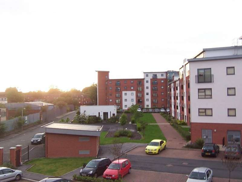 2 Bedrooms Apartment Flat for sale in Lamba Court Salford