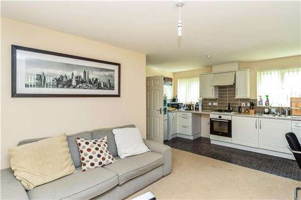 2 Bedrooms Flat for sale in Blandamour Way, Southmead, Bristol, BS10 6WE