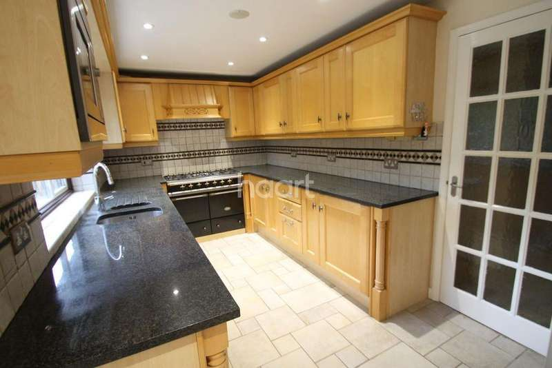5 Bedrooms Detached House for sale in Shepperton Marina