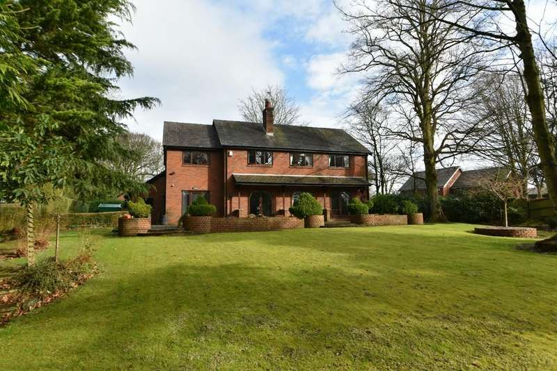 4 Bedrooms Detached House for sale in Normanhurst, Ormskirk