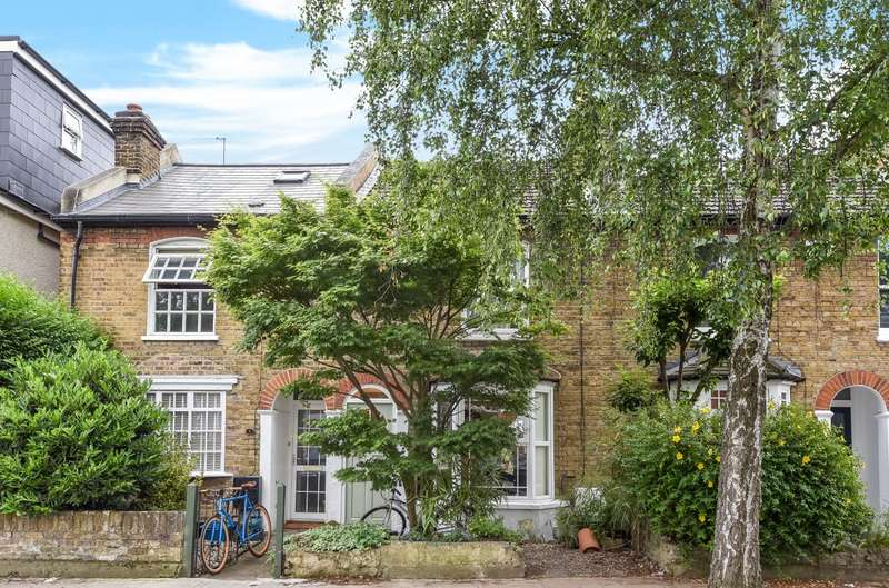 3 Bedrooms House for sale in Teddington