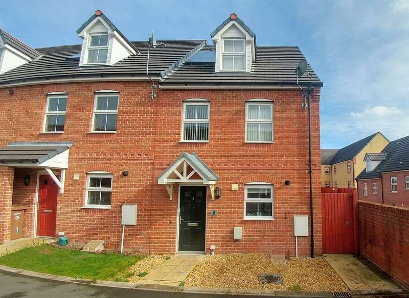 3 Bedrooms Town House for sale in Buttercups Close, Penallta, HENGOED