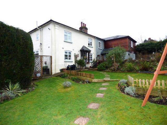 3 Bedrooms Cottage House for sale in FOUNDRY ROAD, UPPER CLATFORD, ANDOVER SP11