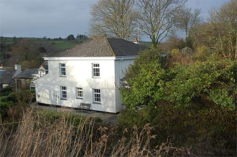 3 Bedrooms Detached House for sale in Hillside, Lerryn, LOSTWITHIEL, Cornwall